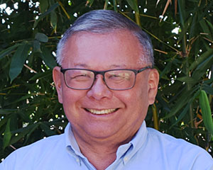Dennis Akizuki